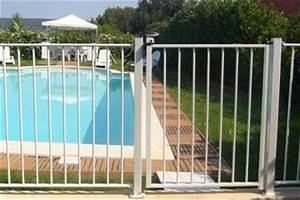 Barriere Protection Piscine : achat de barri re de protection piscine barreaux thermolaqu e securite piscine protection ~ Melissatoandfro.com Idées de Décoration