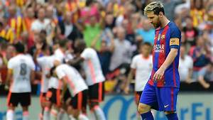 Messi helps Barca through test of character in Valencia ...