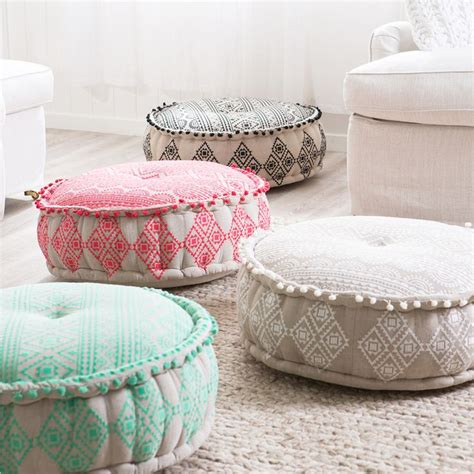 Bohemian Floor Pillows by 25 Best Ideas About Poufs On Moroccan Pouf