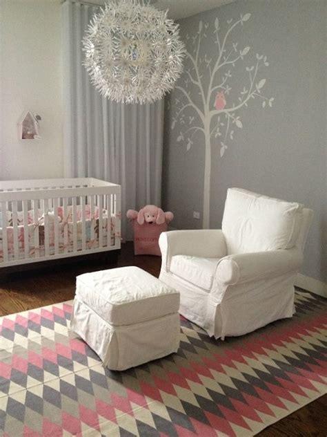 fauteuil chambre bebe 5 idées de chambres pour bébé qui voient la vie en et