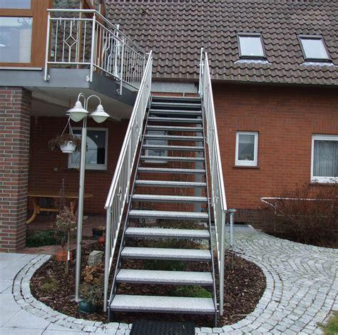 Außentreppe Aus Stahl by Au 223 Entreppen Individuell Und Nach Ma 223 Gebr 252 Der Gr 228 Per