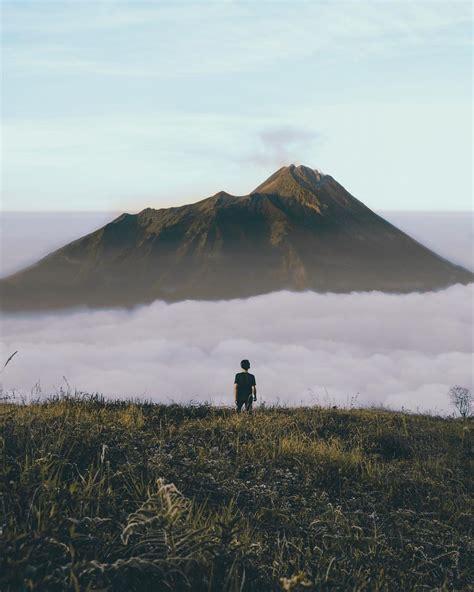 foto terindah  atas gunung indonesia serasa