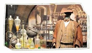 HP Exhibition Wizard Robes Macaron Magazine