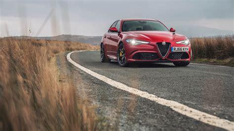 Alfa Romeo Giulia Quadrifoglio 2017 Wallpaper
