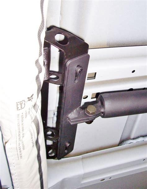 ucb bar mounts above side curtain airbags 171 big sky racks