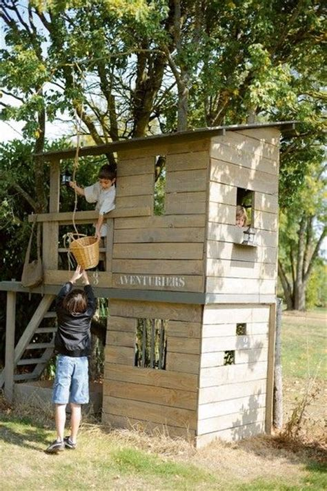 les 25 meilleures id 233 es de la cat 233 gorie cabane pour enfants de jardin sur th 233 226 tres