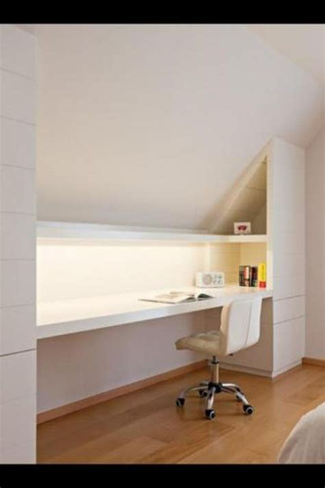 idee bureau bureau idee onder schuin dak ideas for the house