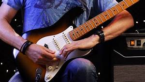 How To Use The Whammy Bar