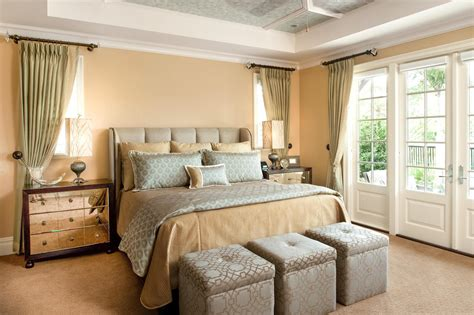 Traditional Bedrooms : Traditional Bedroom Theme For Warm And Friendly House
