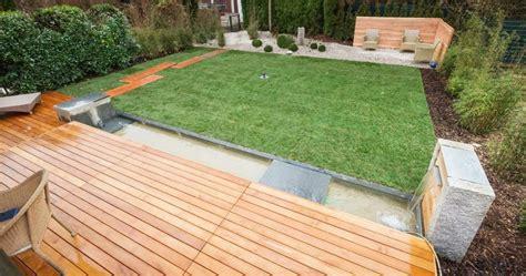 Holzterrasse Auf Rasen by Holzterrasse Unterkonstruktion Auf Rasen