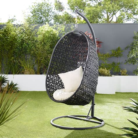 These lovely and functional egg chair are available at enticing offers and discounts. Outdoor wicker egg chair - bring an attractive and beautiful resting view at your premises ...