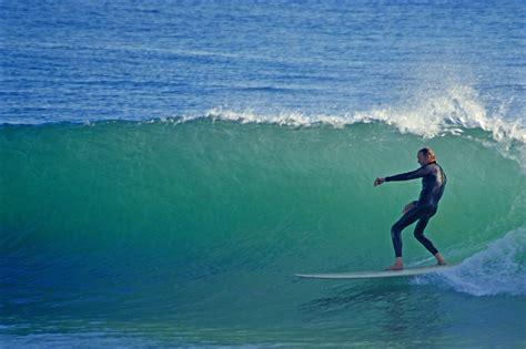 surfs    santa barbara surfing breaks