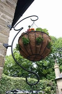 Hanging, Basket, Bracket, Advised, Fixing, Procedure, U2013, Garden, Features, Ideas
