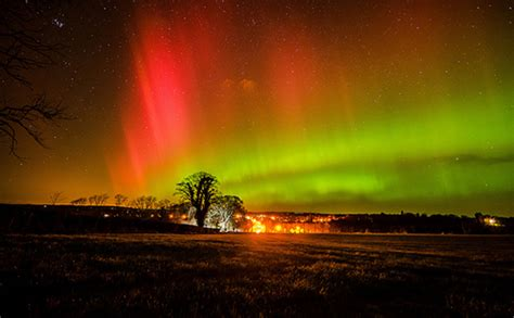 when to see the northern lights 10 places to see the northern lights in alaska canada