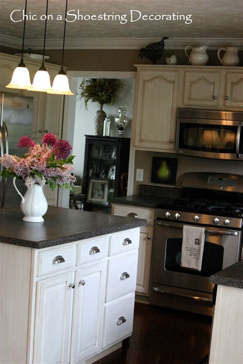 chic a shoestring decorating how to change your kitchen cabinet knobs or handles
