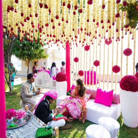 what are some creative low budget indian hindu wedding