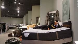 Gallery furniture store turns into houston shelter cnn for Nationwide mattress and furniture warehouse