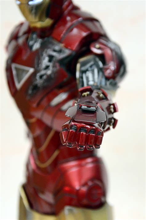 Review Hot Toys Iron Man Mk Vi Iron Man 2