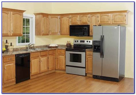 kitchen painting ideas with oak cabinets small kitchen paint colors with oak cabinets painting