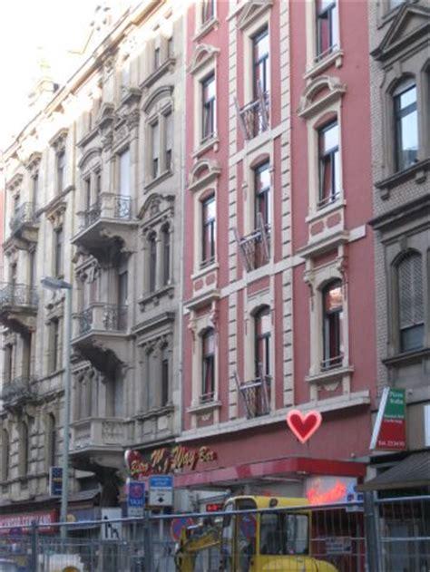 Rotes Haus  Na Slici Je Taunusstrasse, Frankfurt
