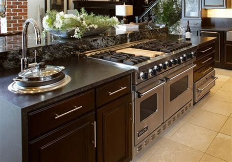 kitchen island with range viking range in an island search kitchen 5220