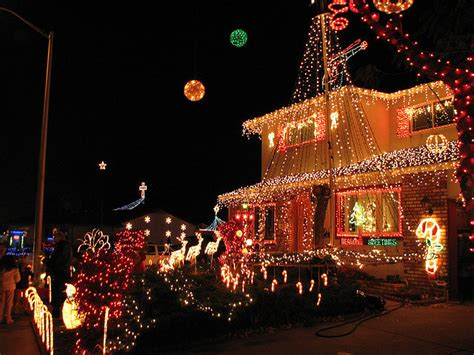 where to see christmas lights in seattle