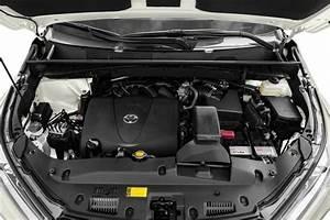 2017 Toyota Highlander Se V6 4dr Front
