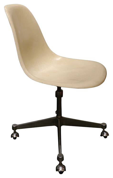 chaise de roulettes chaise de bureau vintage vintage swivel chair from