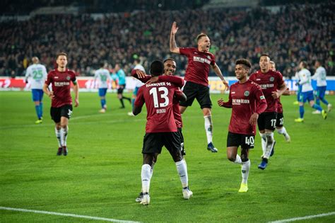 Maybe you would like to learn more about one of these? Bundesliga-Duell mit Wolfsburg: Hannover 96 gewinnt ...