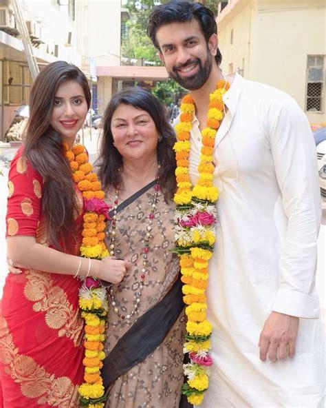 pics सुष्मिता के भाई राजीव ने रचाई कोर्ट मैरिज रेड साड़ी में खूबसूरत दिखीं चारु charu asopa