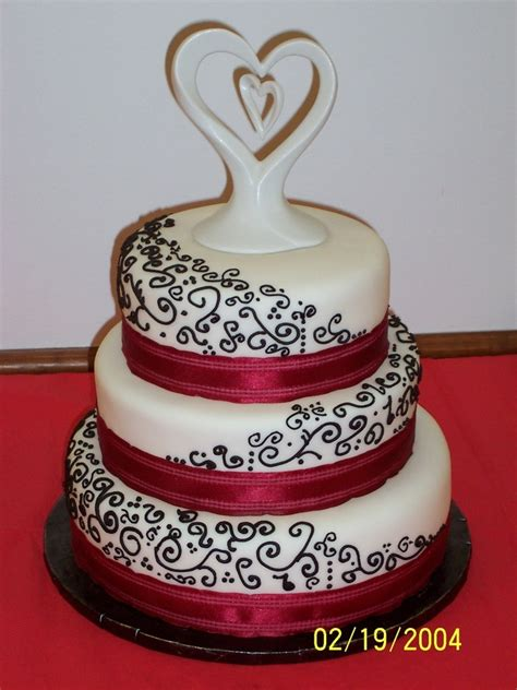black and red wedding round wedding cakes don t like