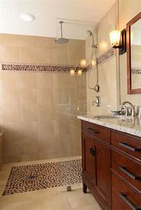 Le carrelage galet pratique revetement pour la salle de bain for Salle de bain design avec décoration végétale murale