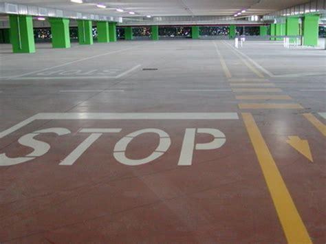 segnaletica per interni segnaletica orizzontale parcheggi e da interni la stimma