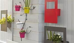 Porte Plante Interieur Design : les plantes en pot grimpent sur les murs ~ Teatrodelosmanantiales.com Idées de Décoration