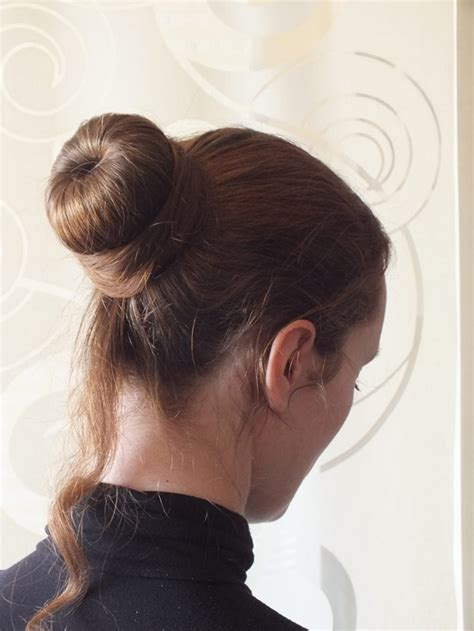 Le chignon bun  une coiffure simple rapide et facile u00e0 ru00e9aliser | TribulonsTribulons