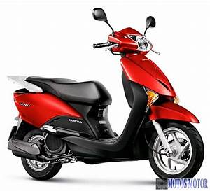 Honda Lead 110 : scooter lead 110 da honda no brasil ~ Dallasstarsshop.com Idées de Décoration