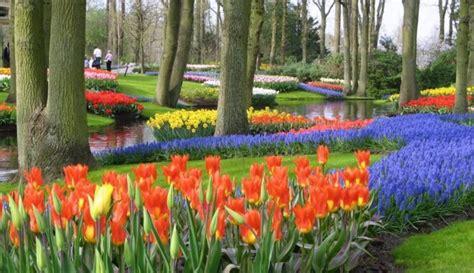 Pasaules lielākie un krāšņākie dārzi un parki - krāsas, smaržas, ornamenti un skulptūras - DELFI
