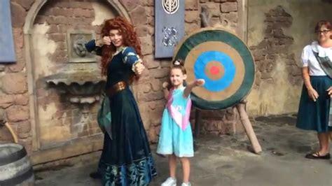 merida meet greet at magic kingdom in disney world youtube