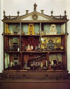 Old Victorian doll houses Miniatures Pinterest