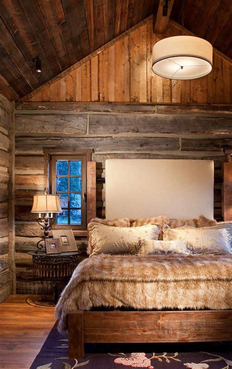 chambre en bois massif l esprit montagne reflété dans une chambre rustique