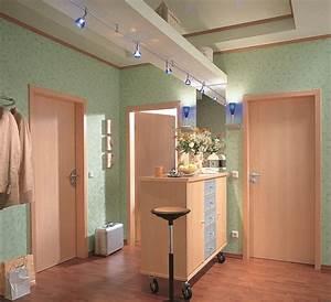 Lampe Langer Flur : beleuchtung im flur so tappen sie nicht im dunkeln planungswelten ~ Sanjose-hotels-ca.com Haus und Dekorationen