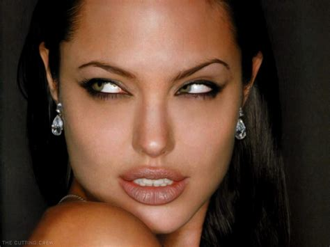 Online Hollywood Celebrity Angelina Jolie Latest News And
