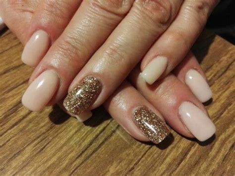 rosa glitzer gelnägel nail rosa chiaro con anulare con glitter oro chiaro