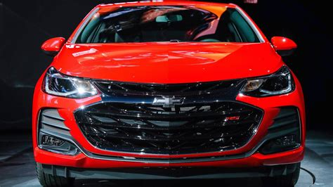 Official 2019 Chevy Cruze Gets Minor Updates Details