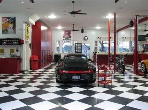 gleaming workshop  big   house  car  fun
