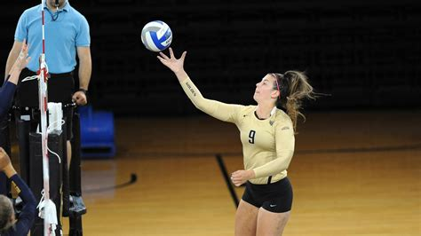jamie walling womens volleyball oakland university