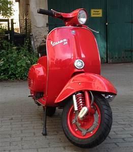 Ral Farben Rot : vespa v50 ral 3000 feuerrot vespa in ral farben ~ Lizthompson.info Haus und Dekorationen