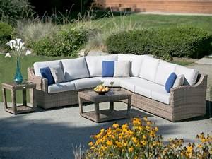 Outdoor wicker sectional garden decorating outdoor for Outdoor patio decor