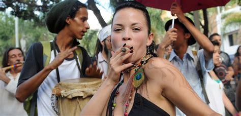 9 Surprising Scientific Reasons Why Ladies Should Smoke