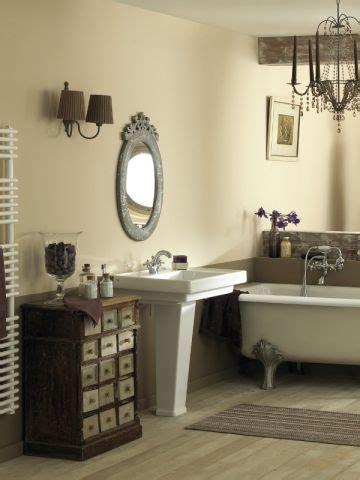 une applique r 233 tro pour une salle de bains 224 l ancienne maisonapart
